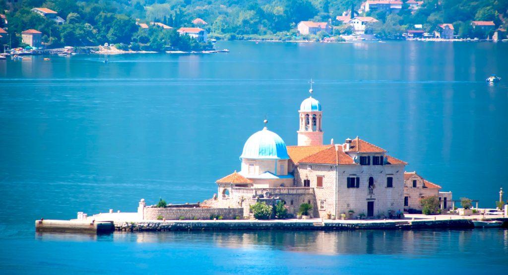 Montenegro citizenship residency